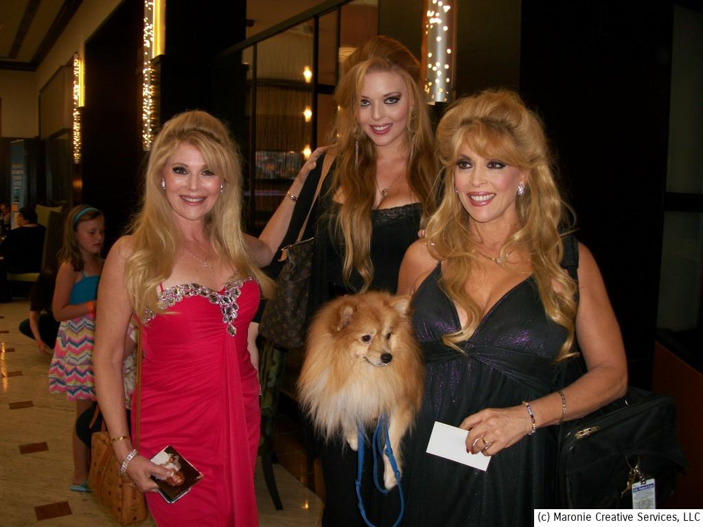 The Landers sisters brought some Hollywood glamour to the proceedings. That's Audrey on the left, and Judy on the right. The beautiful young lady behind them is Judy's lovely daughter. Name of the canine companion is unknown.