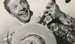 This portrait of Dan Dailey is from the 1947 20th Century-Fox film, Mother Wore Tights. This was one of the many corny musical films he would make with Betty Grable. They were Technicolor confections that showcased the duo's singing and dancing talents---and delighted audiences for years! Forget the story--just enjoy the team doing their best to entertain us. (c) 20th Century-Fox
