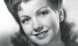 A beautiul portrait of Anne Baxter from her days as a contract player at 20th Century-Fox.
