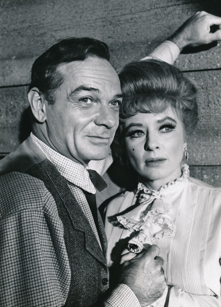 James Daly co-starred with Amanda in this 1967 episode of Gunsmoke. (c) CBS