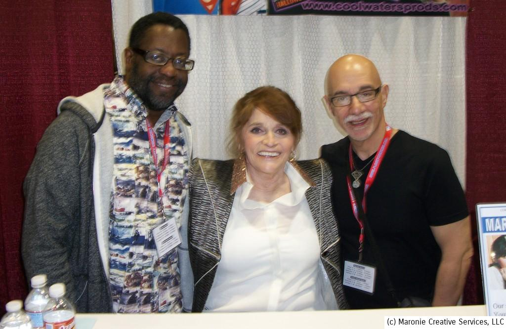 Here's Superman's cinematic Lois Lane, Margot Kidder. She's posing with Michael Greer (l) and Blogmeister Sam (r).