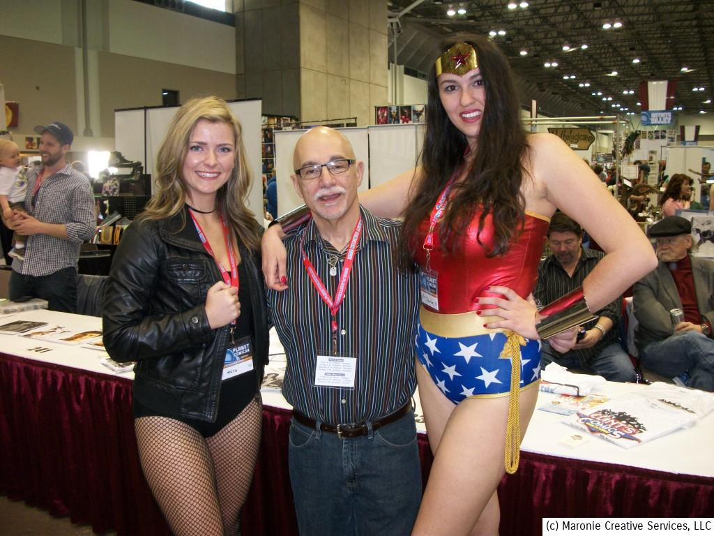 Even Blogmeister Sam couldn't resist a photo-op with The Black Canary and Wonder Woman. The Ebony Songbird and the Amazon Princes never looked better!