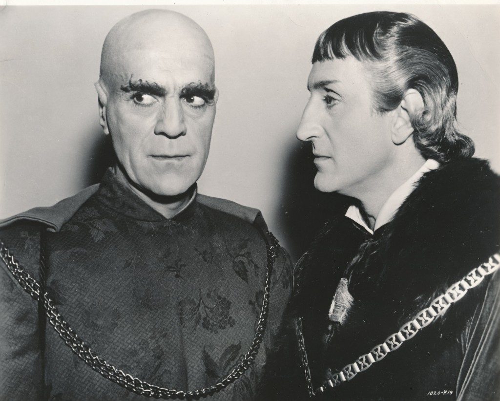 An amazingly rare candid, unretouched photograph of Boris Karloff (l) and Basil Rathbone from Universal's 1939 Tower of London. It was the same year that the duo co-starred in Son of Frankenstein, which ignited another cycle of Universal horror films. (c) Universal Studios