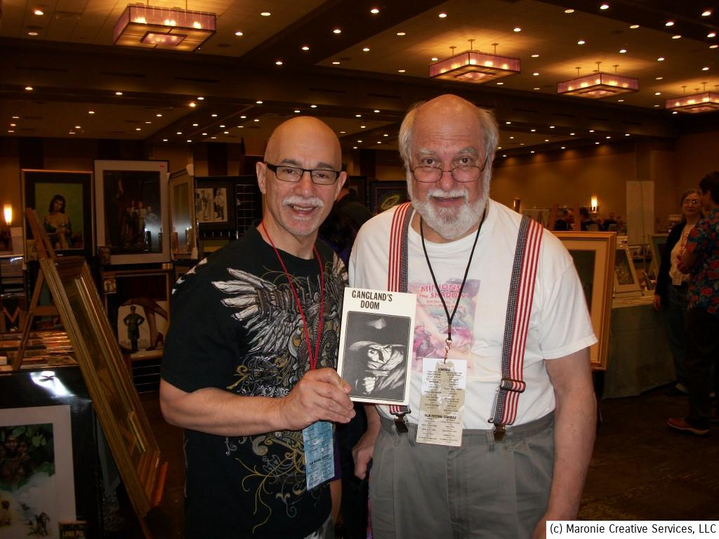 Blogmeister Sam poses with the great guru of the pulp fan community. Robert Weinberg has fanned the flames tirelessly to keep interest alive in this literary art form. Here we pose with an early-1970s 'Shadow' reprint that Weinberg self-published.