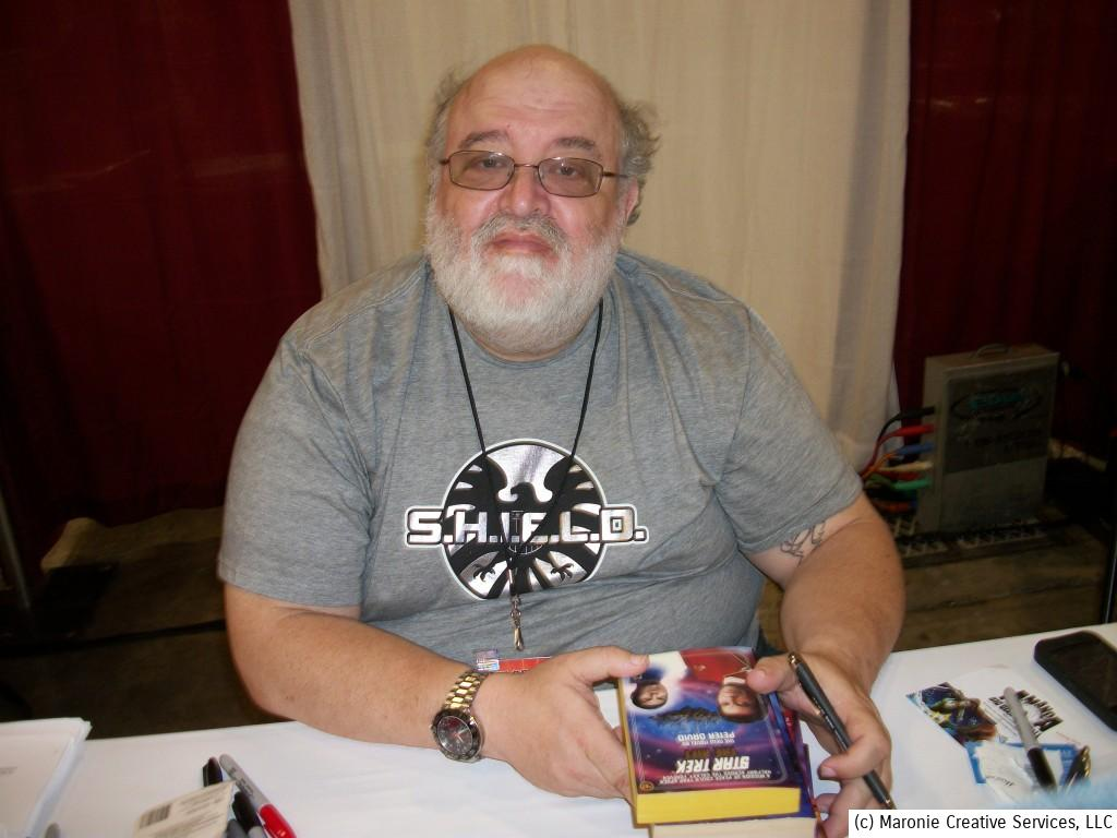 Prolific author Peter David greeted his many fans. David has penned adventures of The Incredible Hulk, Supergirl, and a host of series for both Marvel and DC. In his spare time he also writes novels and magazine articles.
