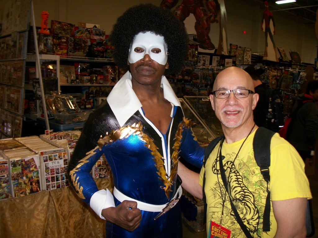 Funkadelic 1970s super-hero, Black Lightning, took a moment to pose with Ye Blogmeister during the course of the Convention.