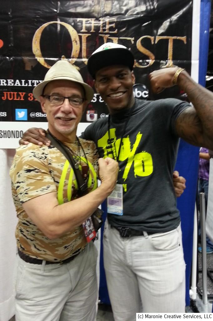 Blogmeister Sam compares biceps with MMA fighter Shondo Blades at Indy Popcon this past week-end. Easy to pick the winner in this contest! #indypopcon